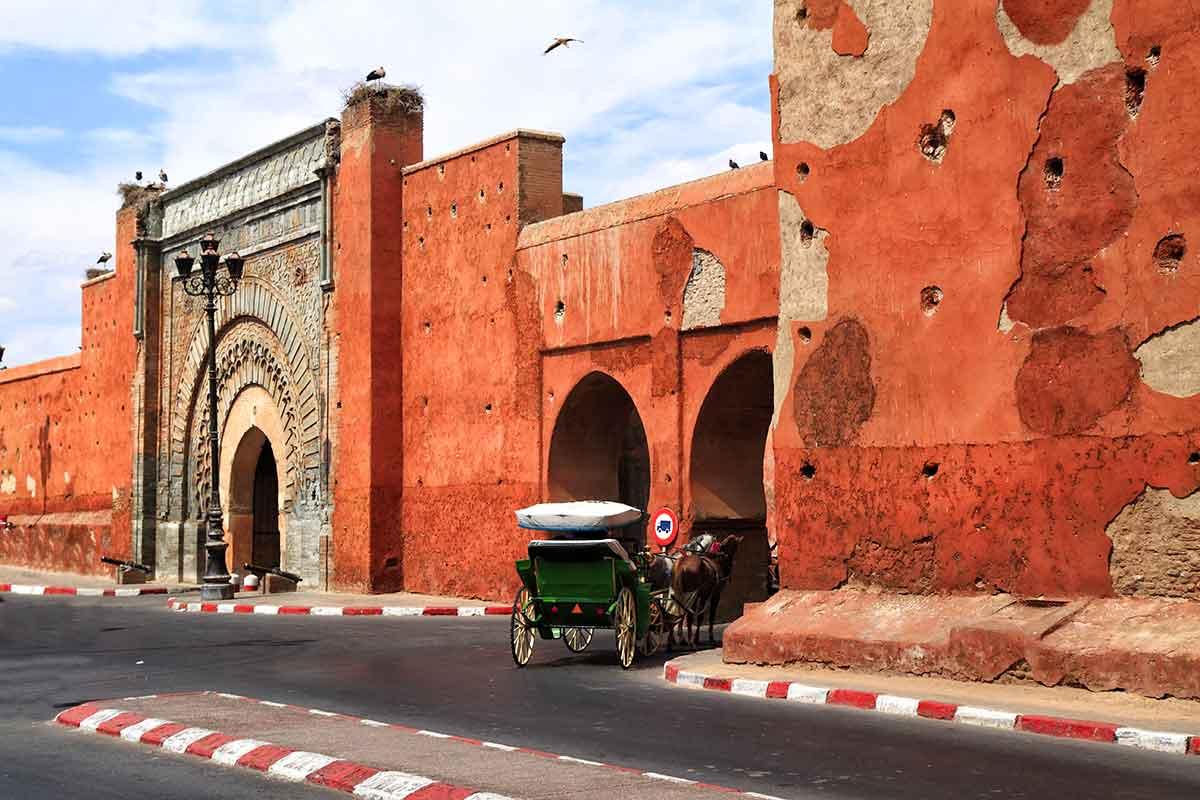 Murallas de puerta de Marrakech