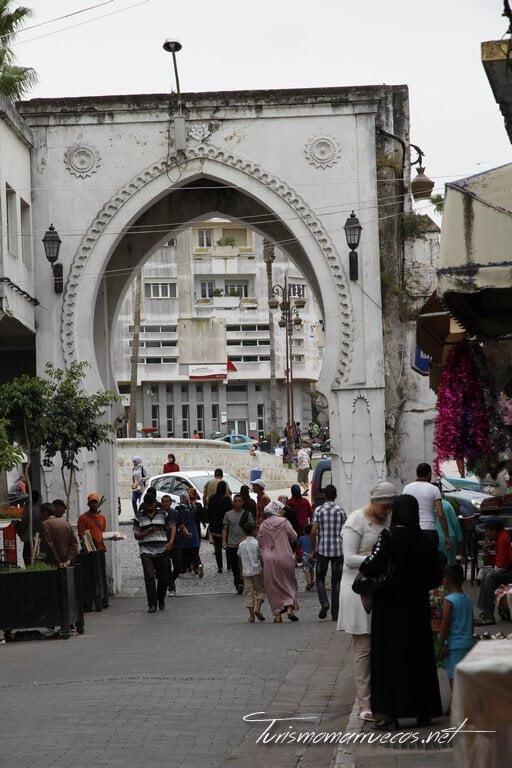 Bab el Fahs, puerta del siglo XIX.