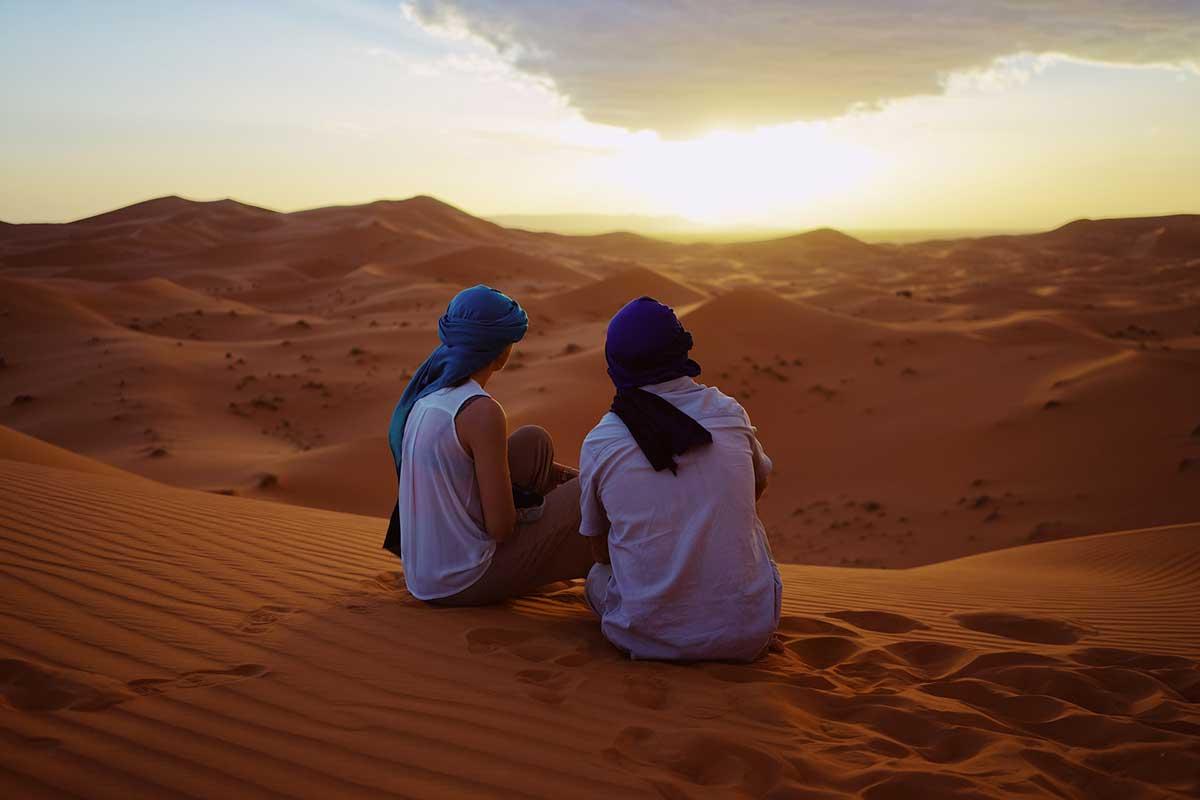 Atardecer y amanecer en el desierto